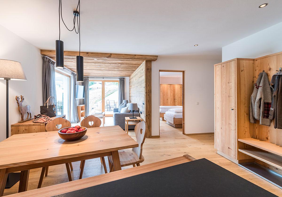 Plafoniera da soggiorno for Case modulari con suite di legge